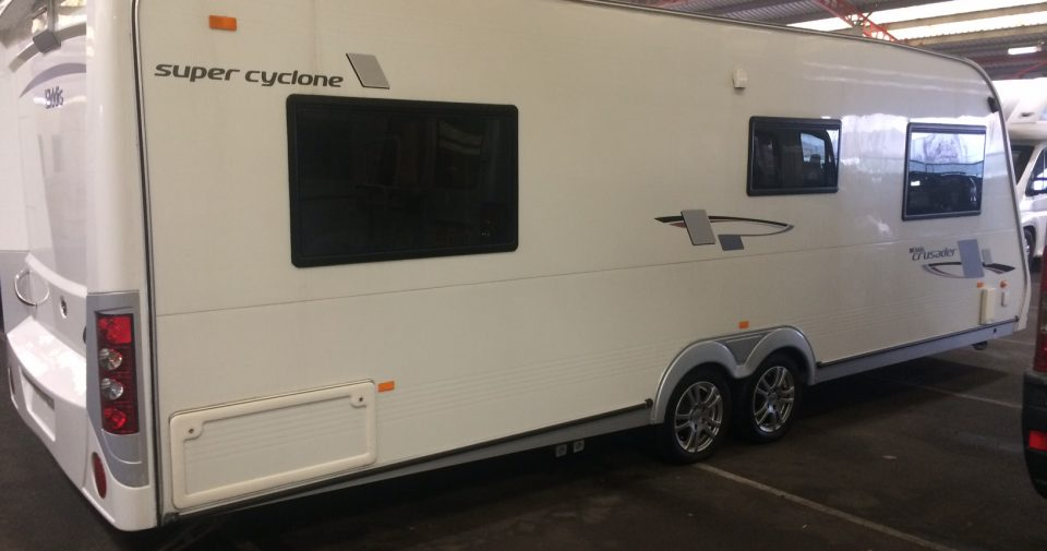 ELDDIS CRUSADER SUPER CYCLONE 2010 4 BERTH