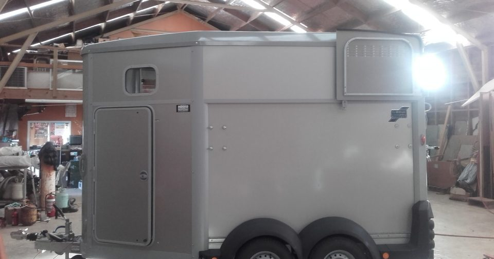 IFOR WILLIAMS HB506 DOUBLE HORSE FLOAT SILVER